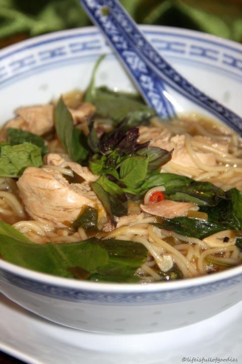 "Vietnamesische Nudelsuppe ""Phở"""