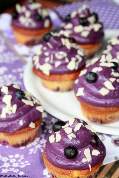 Blueberry White Chocolate Cupcakes