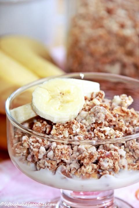 Homemade Banana White Chocolate Granola