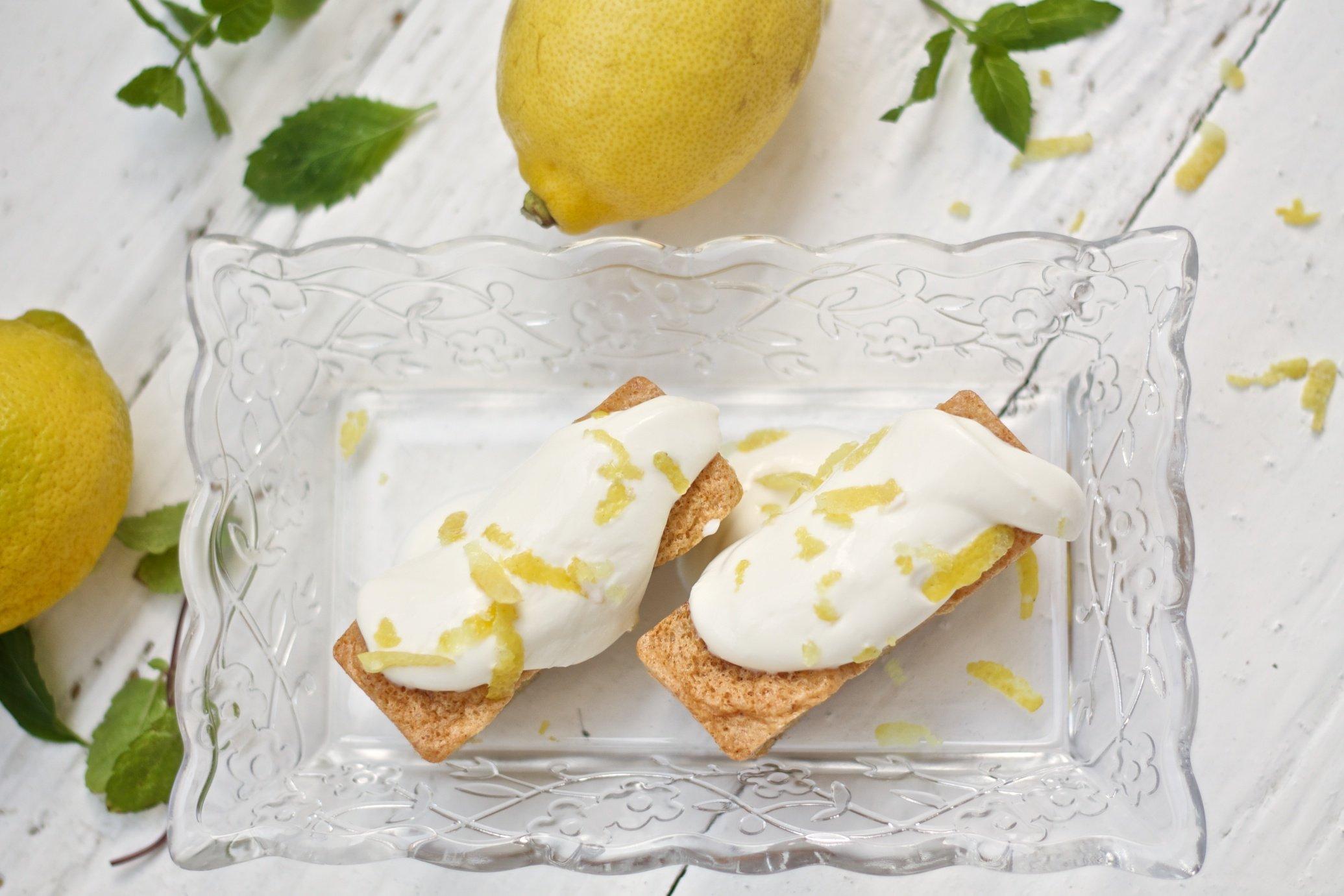 Mini-Mandelkuchen mit Zitronentopping von Emira und Tanja von Ihana