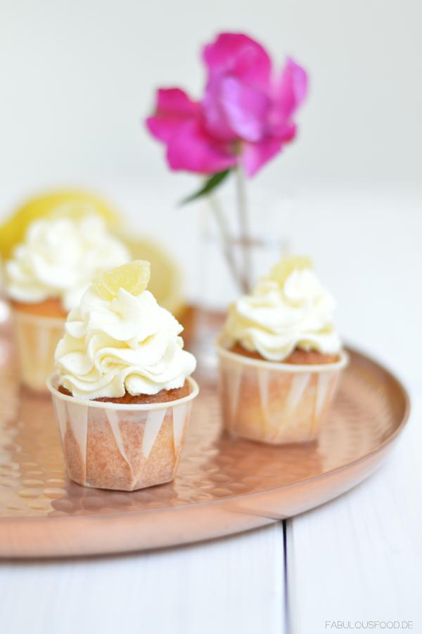 Zitronen-Lemon-Curd Cupcakes von Dani von Fabulous Food
