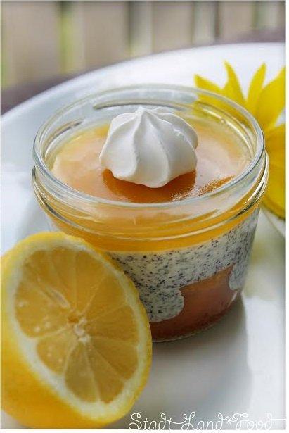 zitronenkuchen im glas mit mohnquarkcreme und lemon curd von sandra von stadt land food life. Black Bedroom Furniture Sets. Home Design Ideas