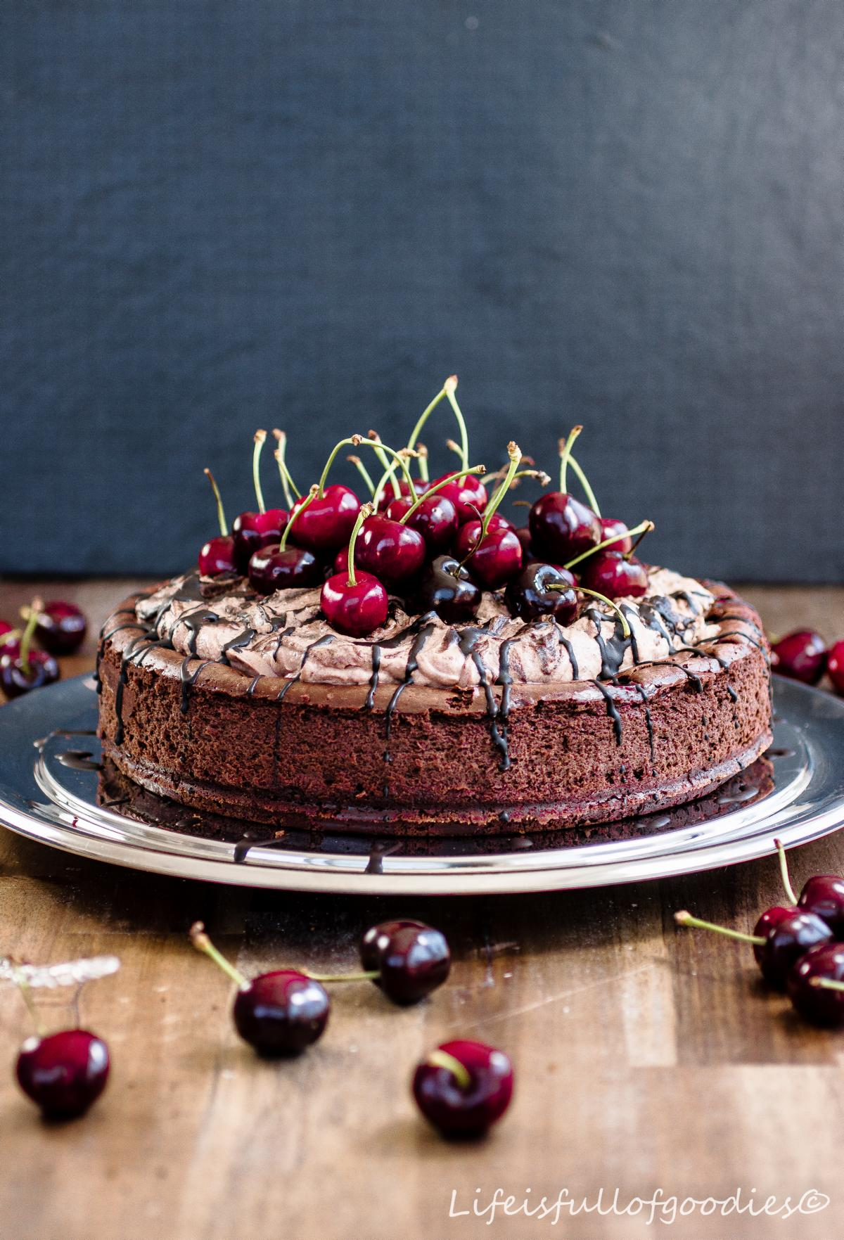 "Chocolate Cherry Cheesecake für ""Herzfutter"""