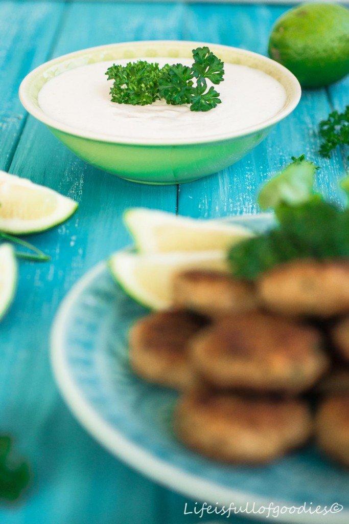 Quinoa Taler mit zitrusfrischem Dip
