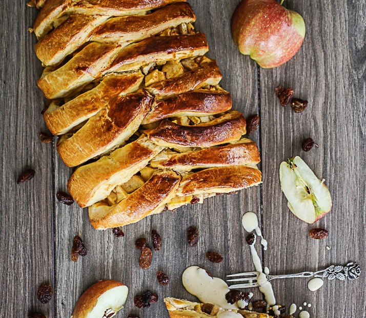 Apfelzopf mit Vanillesauce