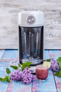 Der KitchenAid Magnetic Drive Blender und ein Smoothie