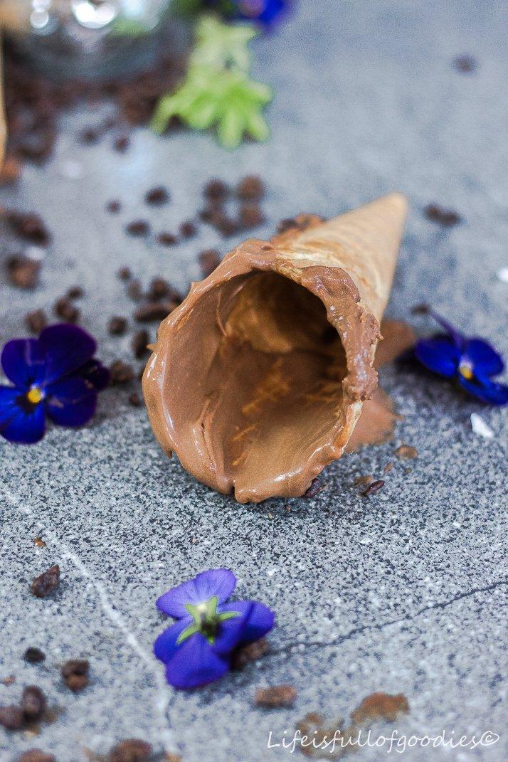 Cremigstes Schoko-Nougat-Eis