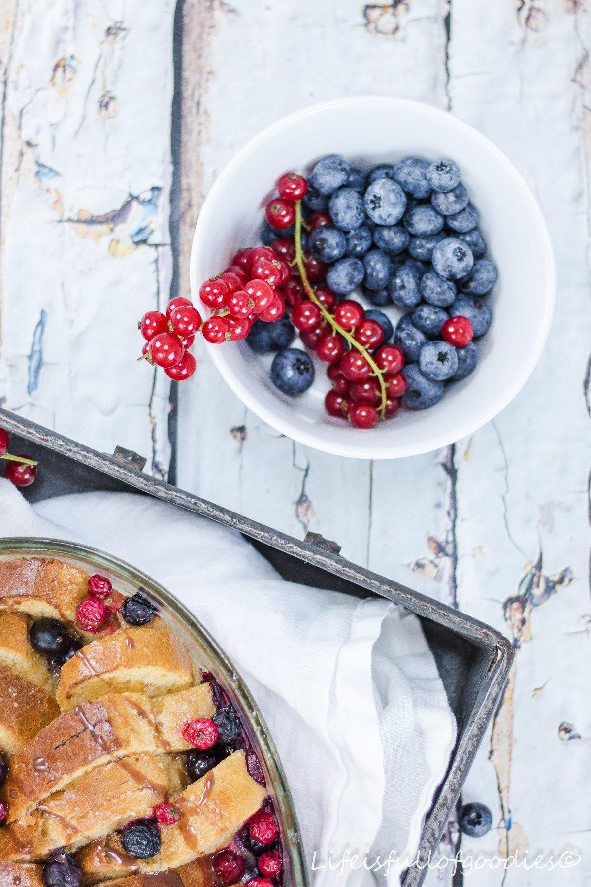 French Toast Auflauf mit Beeren