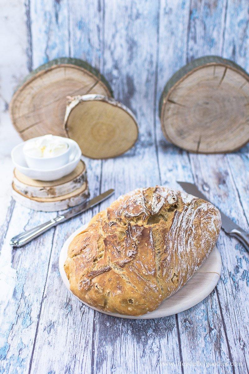 Einfaches Brot ohne Kneten