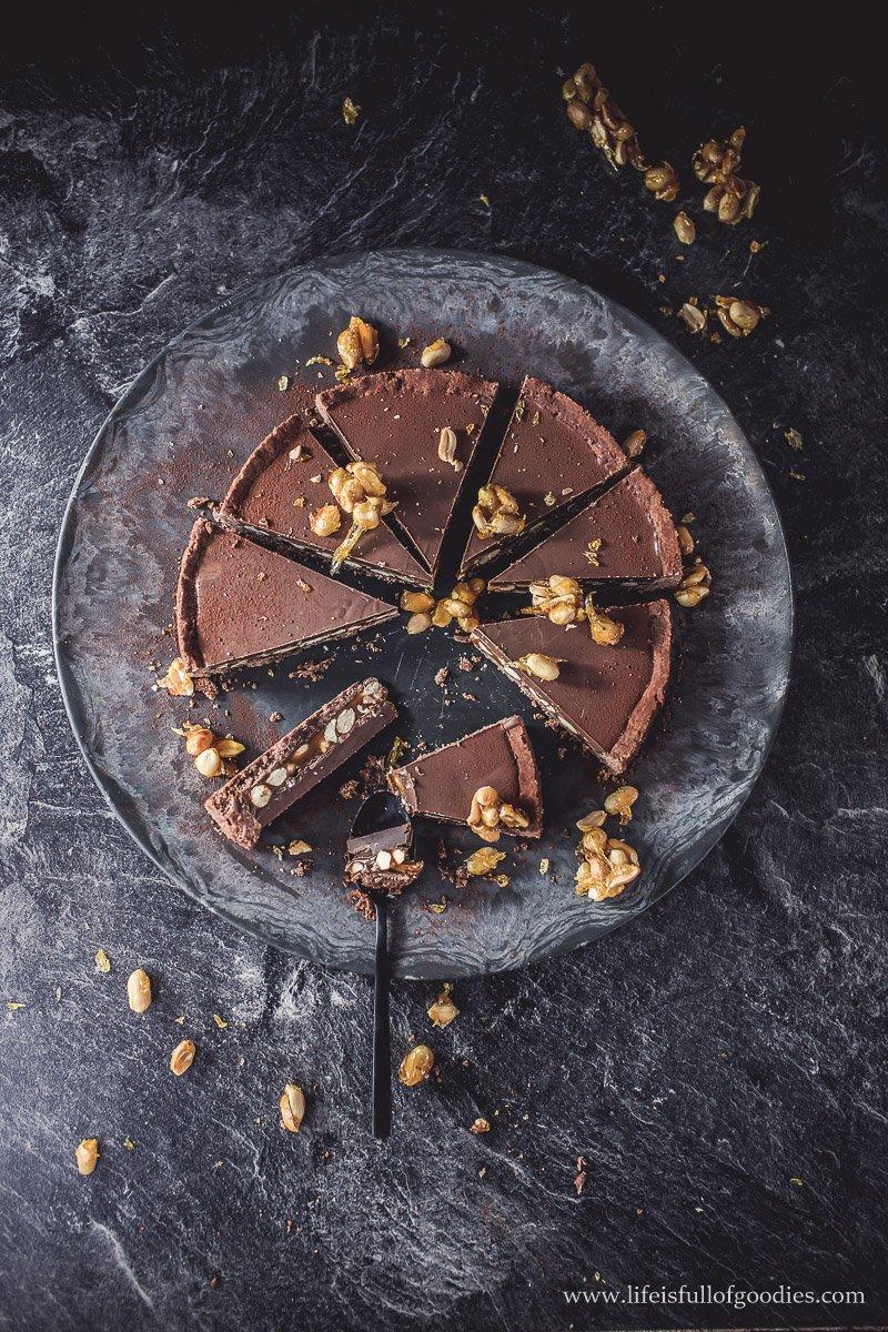 Erdnuss-Karamell-Tarte mit Schokolade