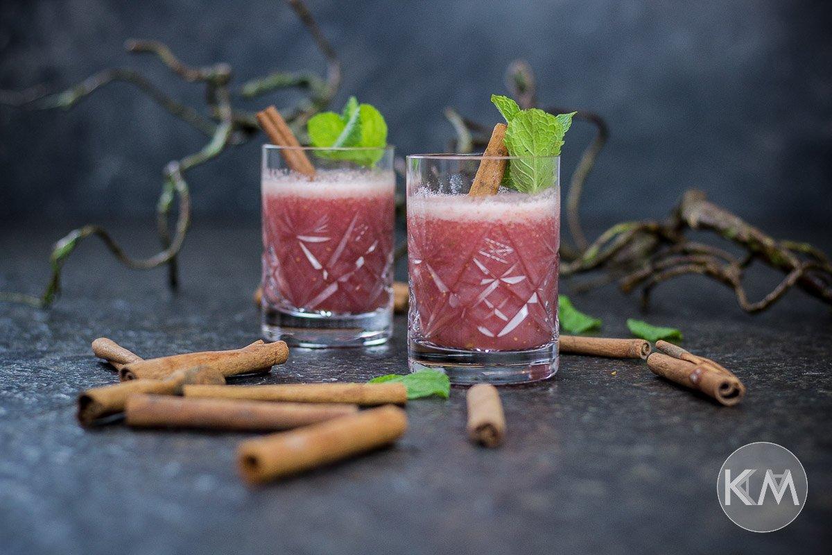 Erdbeer-Zimt-Smoothie aus Kokoswasser