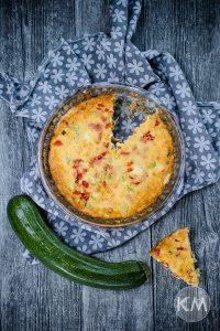 Zucchini Quiche mit Paprika – schnell und einfach
