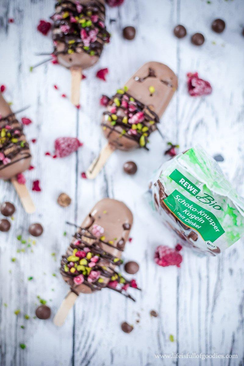 Knusper-Nougat-Popsicles mit Himbeeren und eine Verlosung