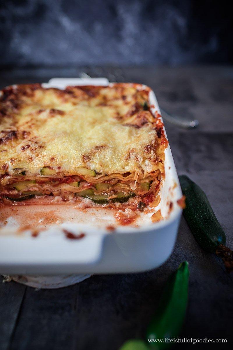 zucchini lasagne vegetarisch life is full of goodies. Black Bedroom Furniture Sets. Home Design Ideas