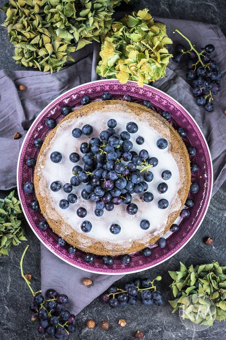 Trauben-Nusskuchen (ohne Fett und Raffinadezucker)