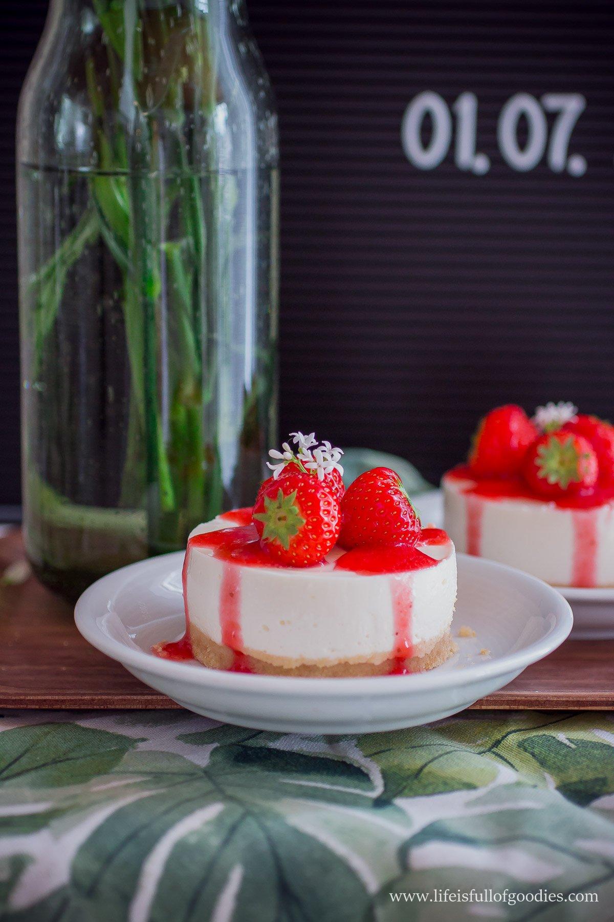 No Bake Cheesecakes mit Erdbeeren