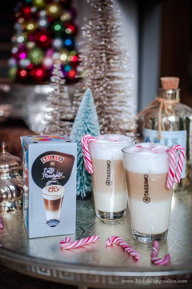 Kaffeekuchen mit perfekter Schokoglasur und Latte Macchiato Baileys