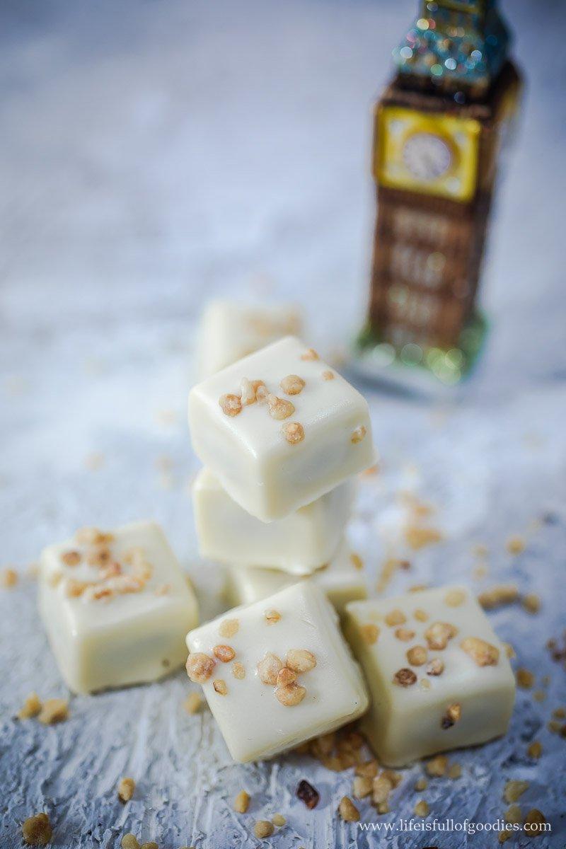 Nougatpralinen in weißer Schokolade