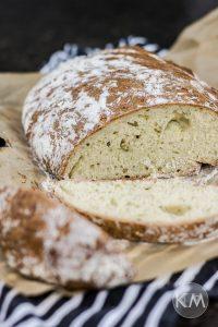 Zucchinibrot – außen knusprig und innen saftig