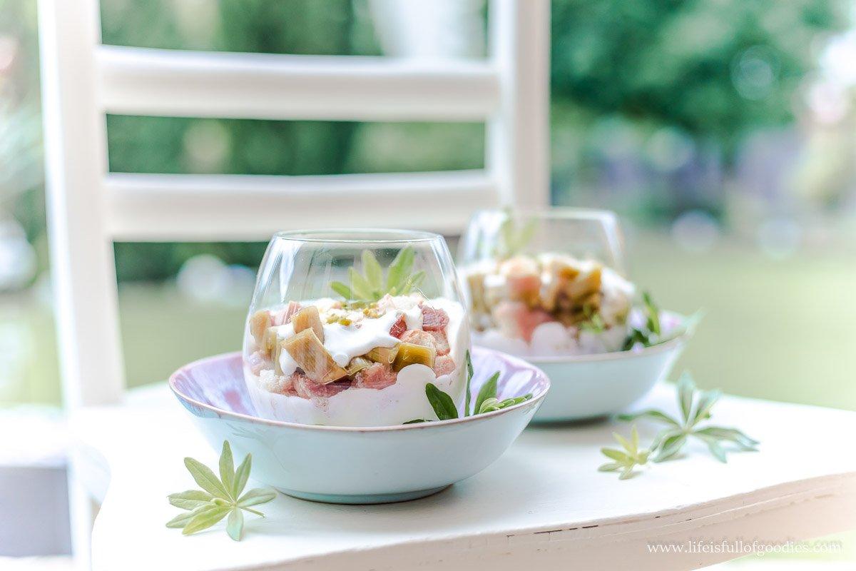 Rhabarber-Buttermilch-Tiramisu und tolle Preise zu gewinnen!
