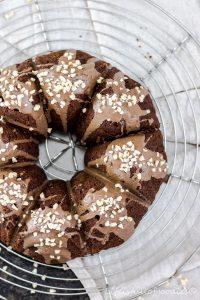 Russischer Apfelkuchen mit Kakao