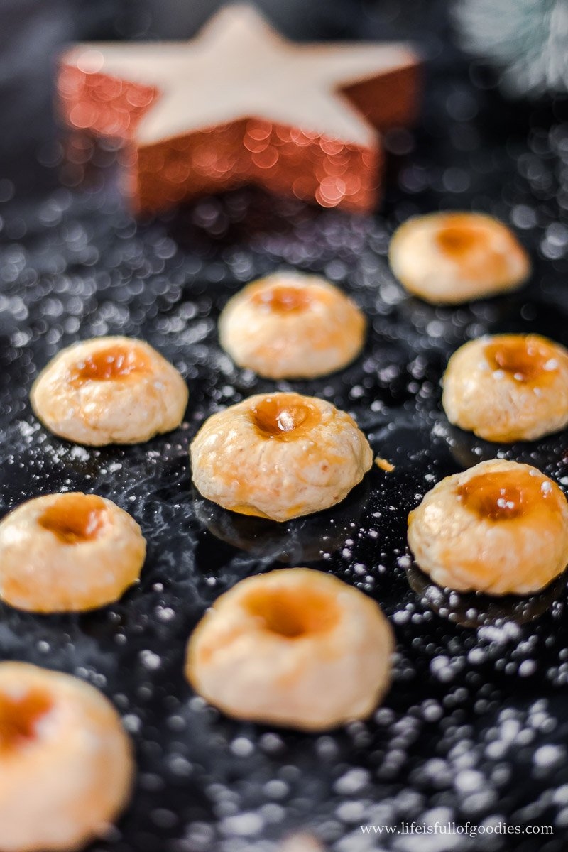 Aprikosenküsse - Plätzchen mit Aprikosenmarmelade