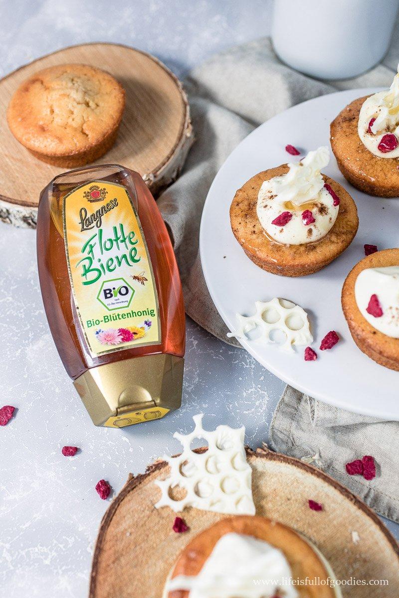 Honigküchlein mit Mascarponecreme und Wabenschokolade
