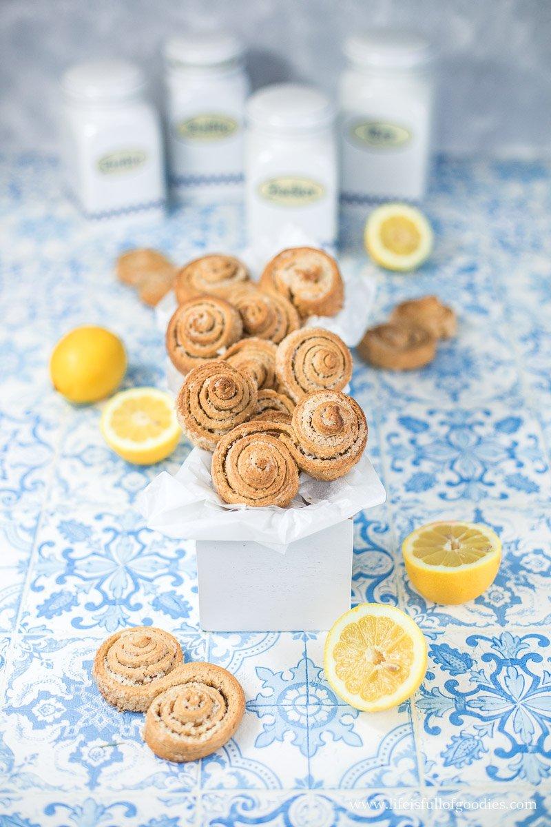 Knusper Zitronenschnecken aus hellem Vollkornmehl