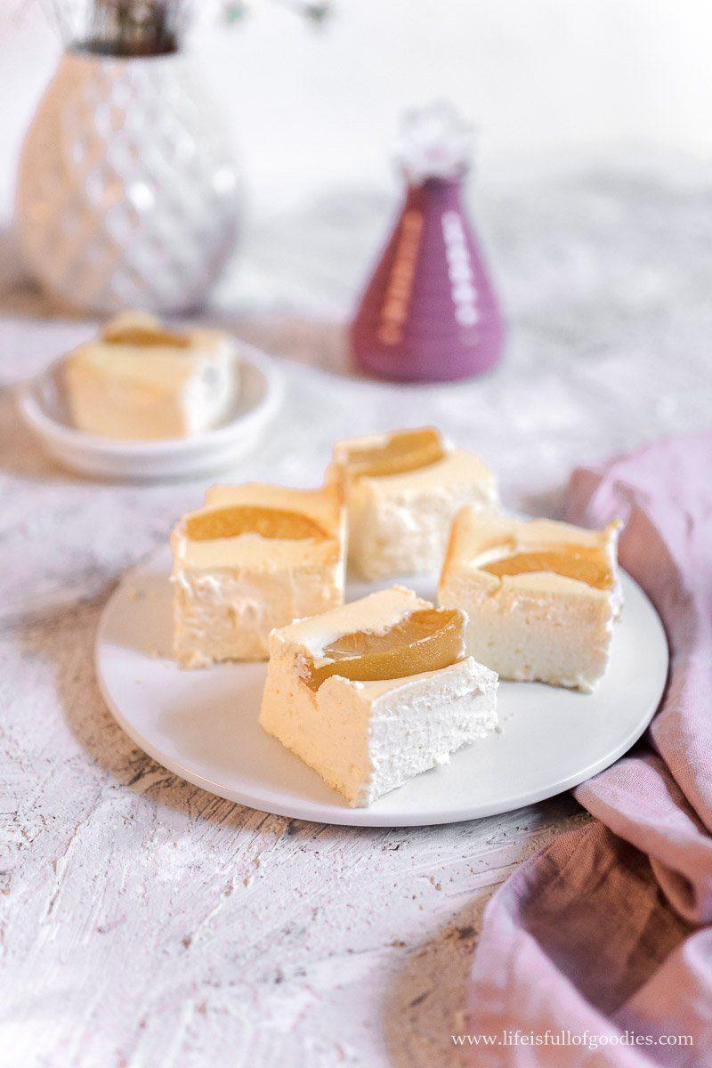 Käsekuchen ohne Boden mit Pfirsich oder Aprikosen