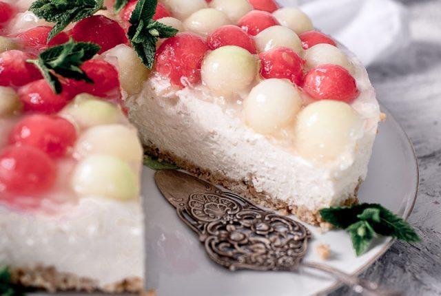 Melonen Cheesecake ohne Backen - so cremig und frisch!
