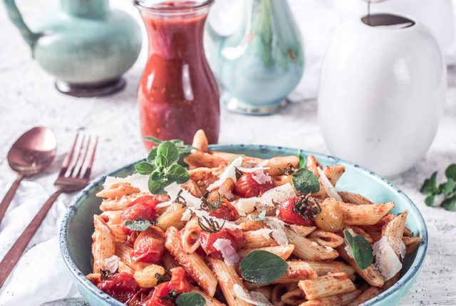 Tomatensauce aus ofengerösteten Tomaten - wahnsinnig aromatisch!