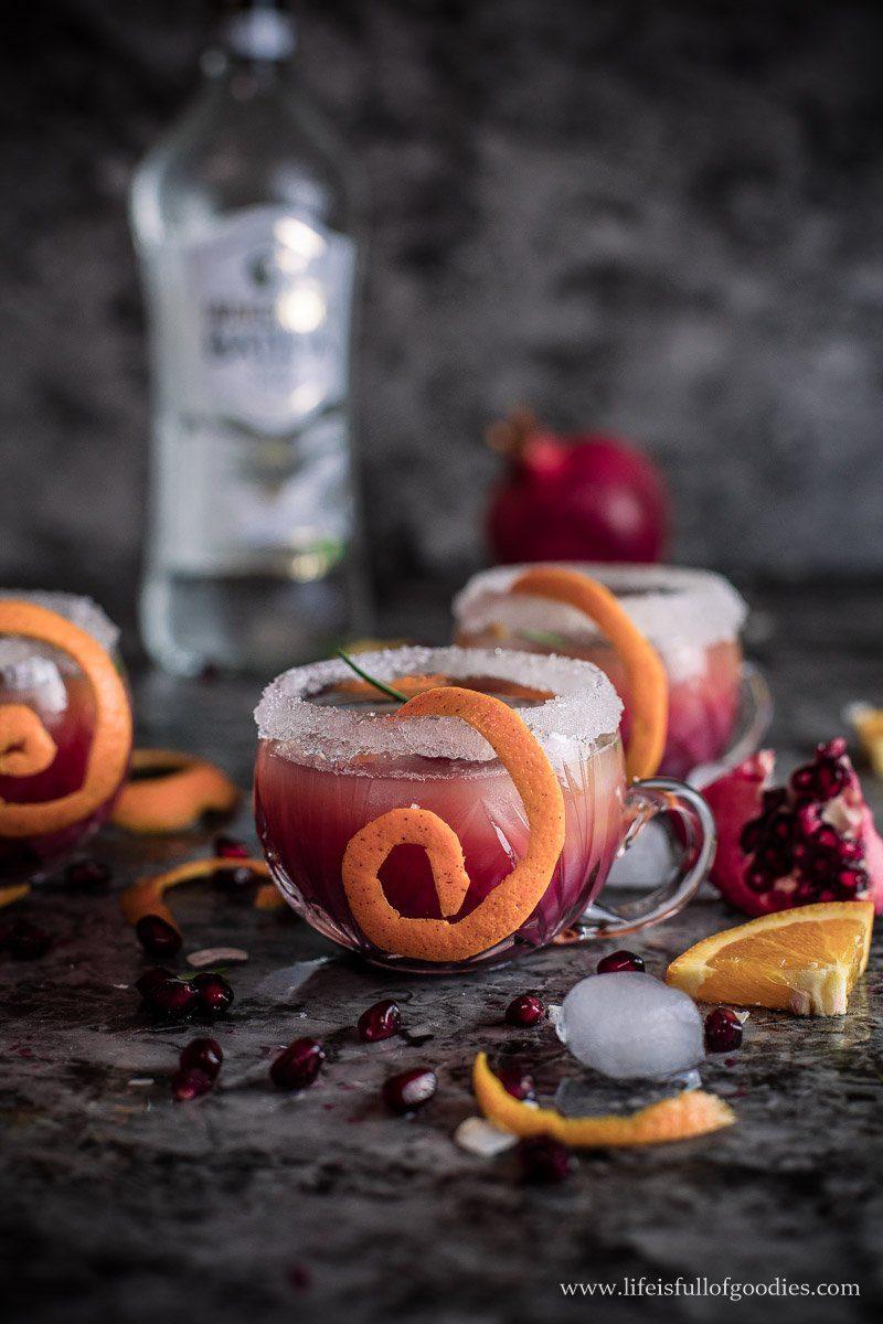 Orangen Granatapfel Cocktail mit Batida com Rum