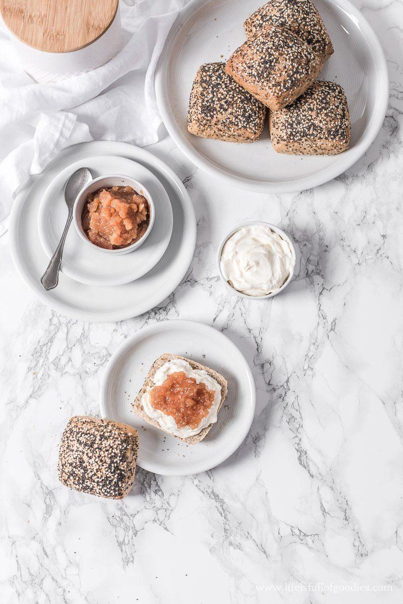Bratapfelmarmelade - wahlweise mit Rosinen und Mandeln und mit oder ohne Zucker
