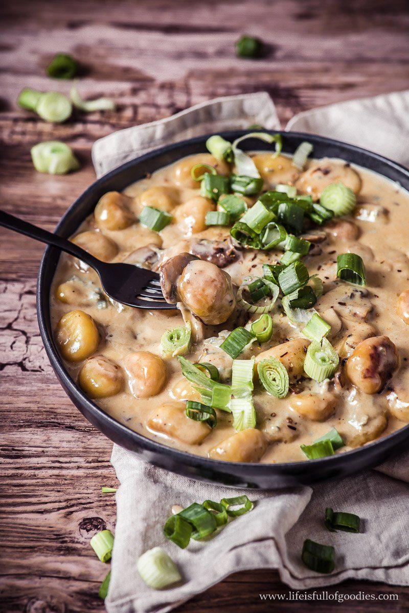 Gnocchi mit Champignons und Gorgonzola-Sahnesauce