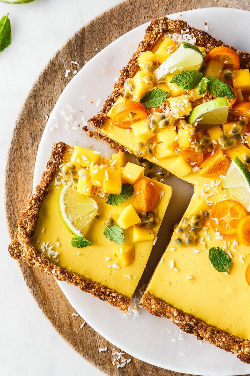 Mango-Joghurt-Tarte mit Kokosboden