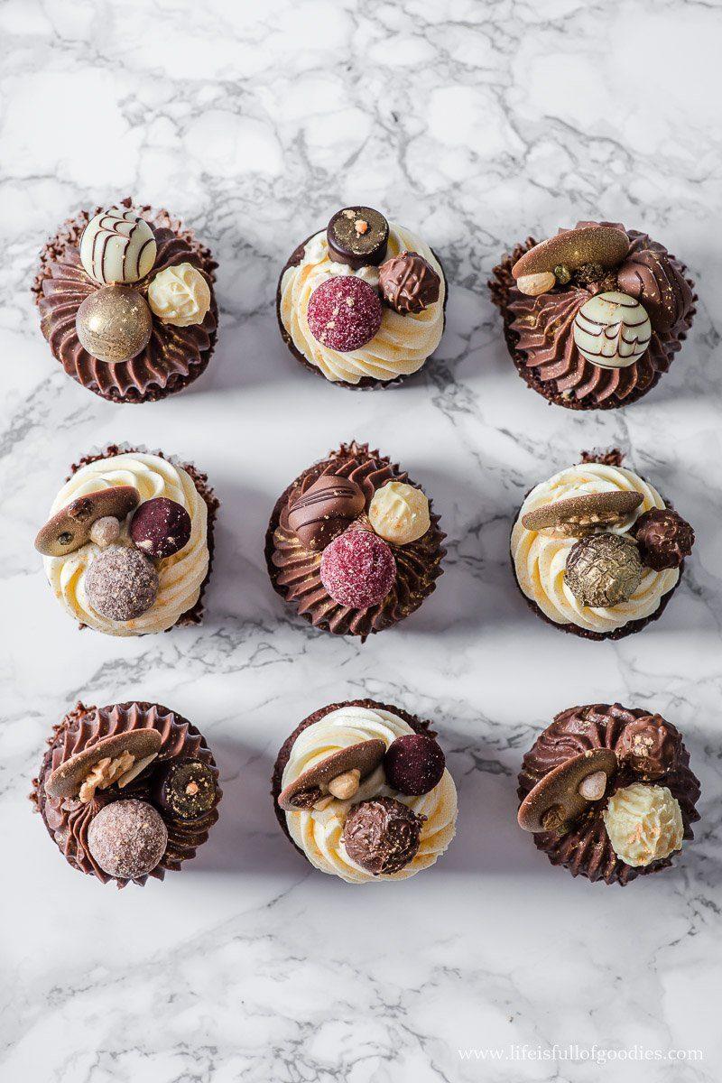 Festliche Schoko Cupcakes mit Karamellkern
