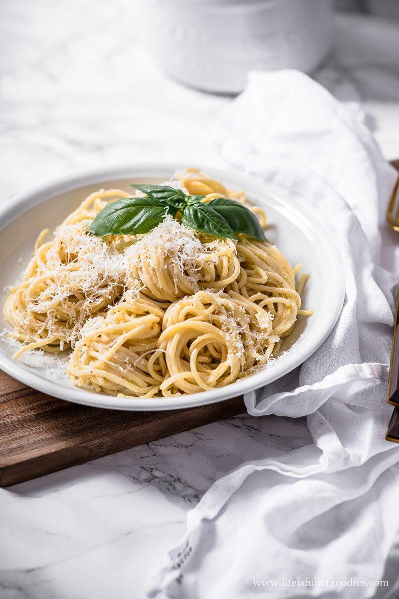 Spaghetti mit schneller Parmesan Sahnesauce