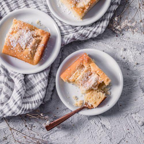 Apfelblechkuchen mit Grieß