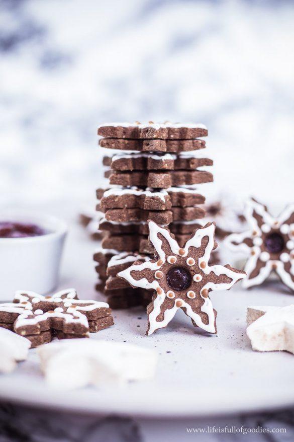 Linzer-Sterne mit Pflaumenmus und Zuckerguss