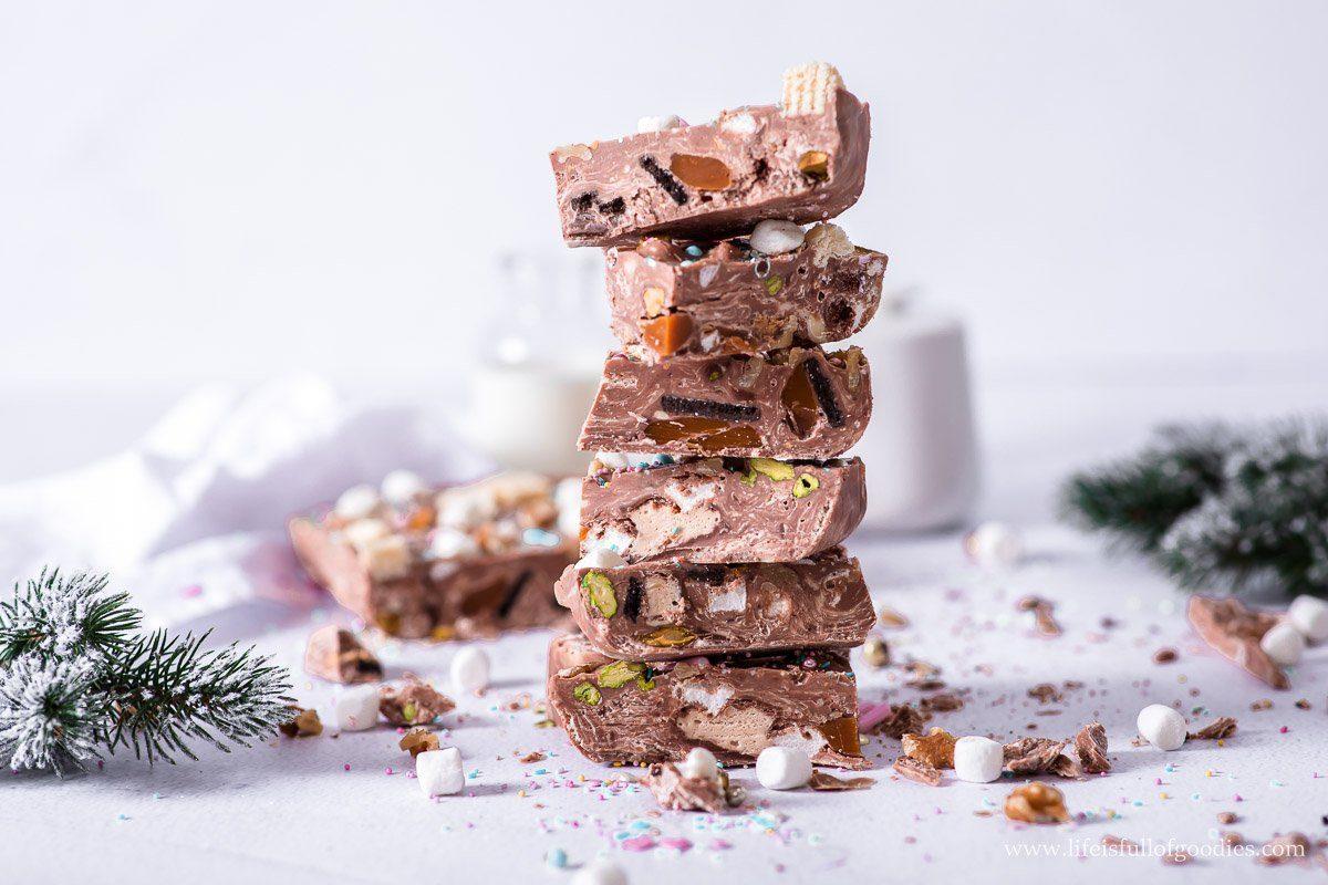 Rocky Road Chocolate mit Karamell, Marshmallows, Nüssen und mehr!