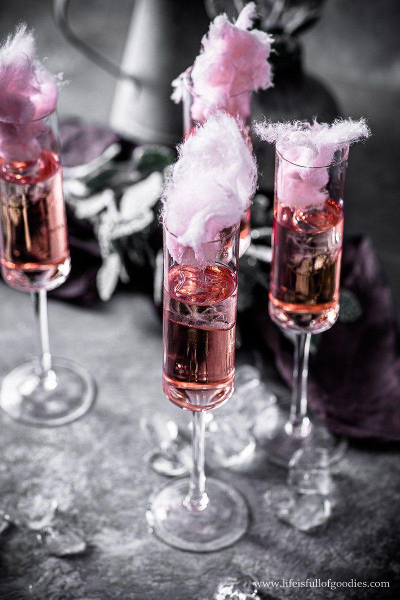 Rosé Sekt mit Zuckerwatte