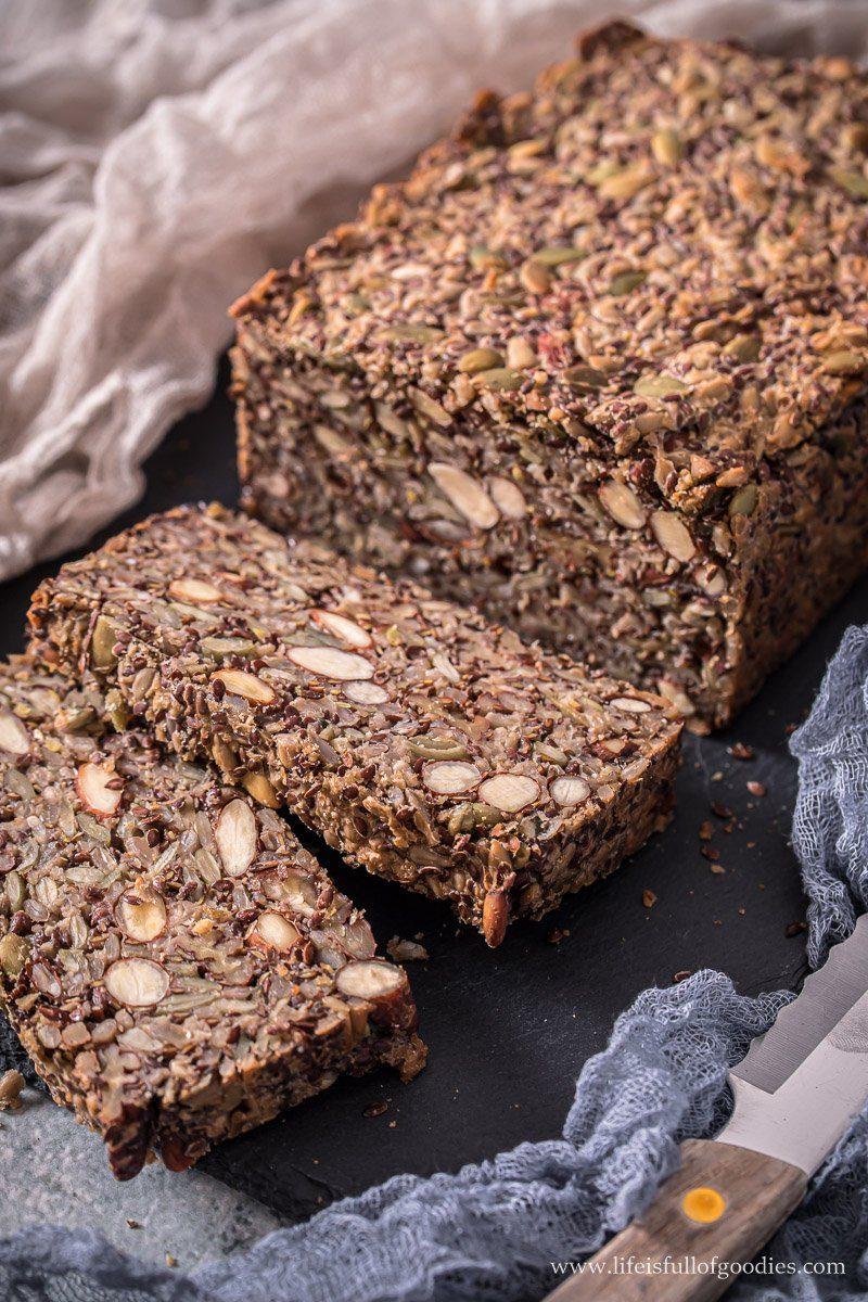 Mara's Fitness Block - veganes Körnerbrot ohne Mehl
