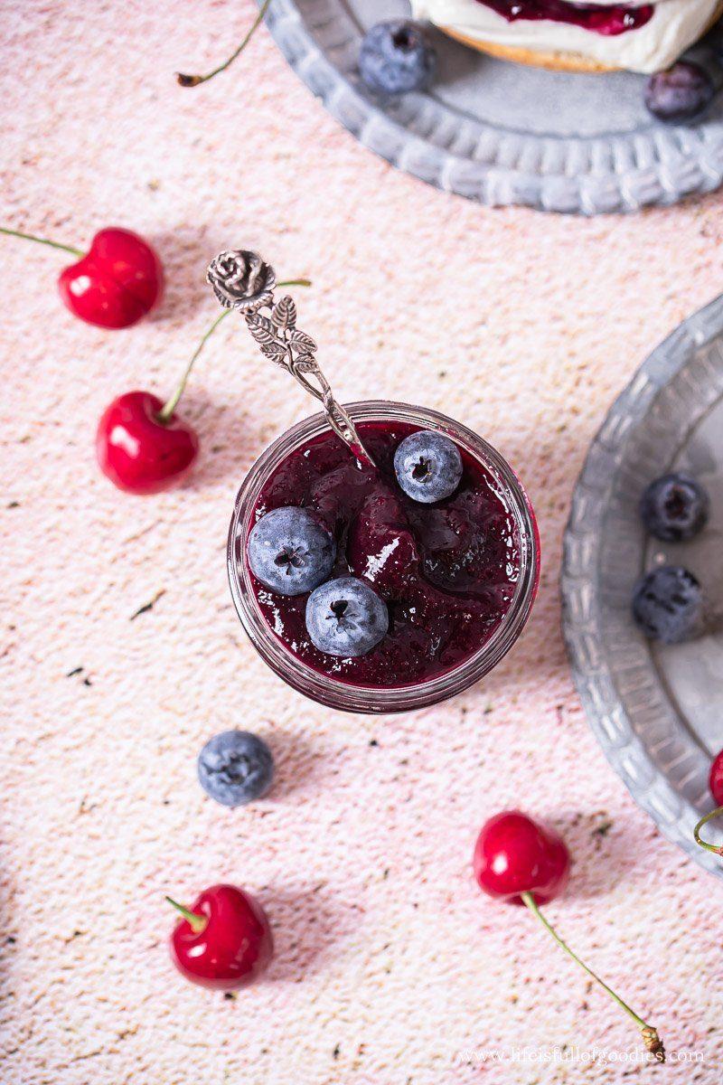 Kirsch Blaubeer Marmelade mit Vanille